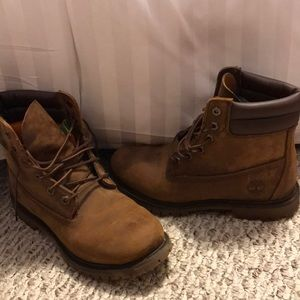 Women's Size 8 Brown Timberlands